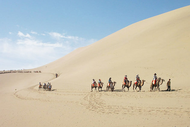 Discover Mingsha Hill in China Silk Road