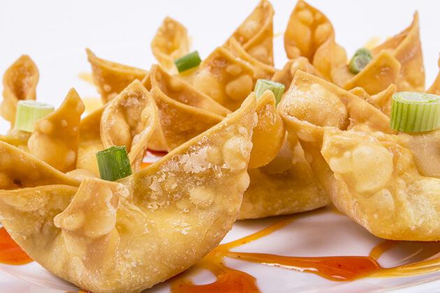 Enjoy Wontons cuisine in China