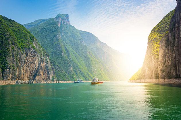 Enjoy Yangtze River from China Family Tour