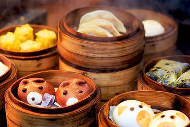 Enjoy local cuisine in China