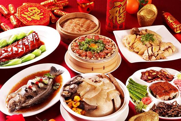 Enjoy special foods on Chinese New Year's Eve