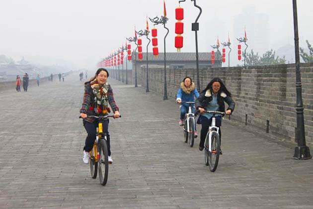 Explore Xian City Wall
