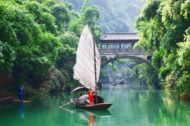Explore Yichang in China