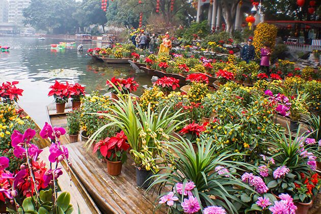 Floating flower market - Spring festival in Guangzhou