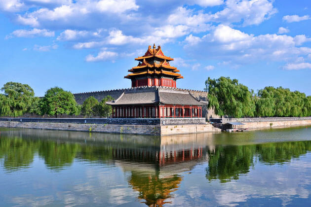 Majestic summer palace in Xian