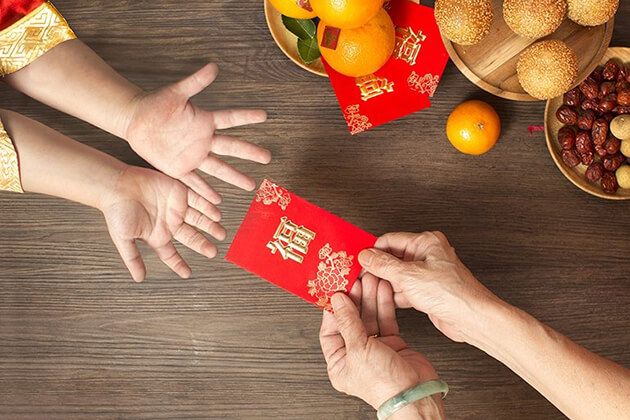 Red Envelopes – Giving Best Wishes in Chinese New Year