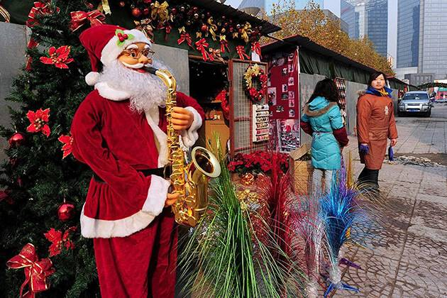 Santa Claus in Chinese Christmas