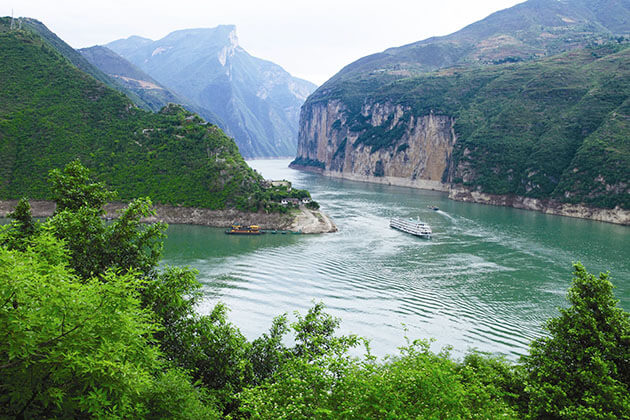 Scenic view of Three Gorges Dam