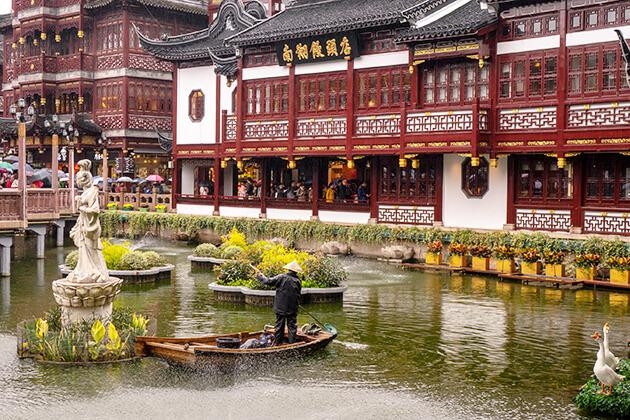 Stunning view of Yuyuan Garden