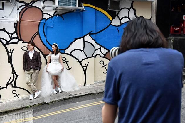 Taking Professional Wedding Photos