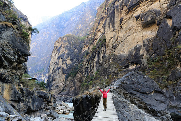 Trek the Tiger Leaping Gorge - best thing to do in China tour