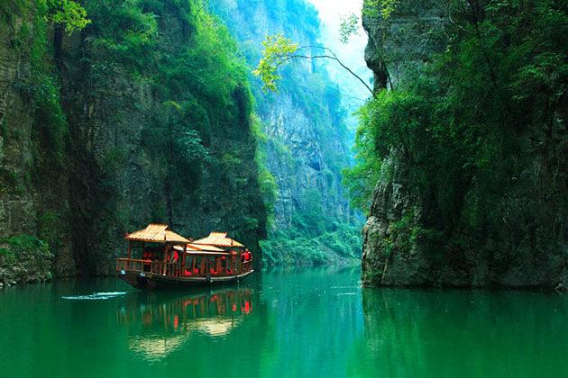 Visit Goddess Stream in China Family Tour