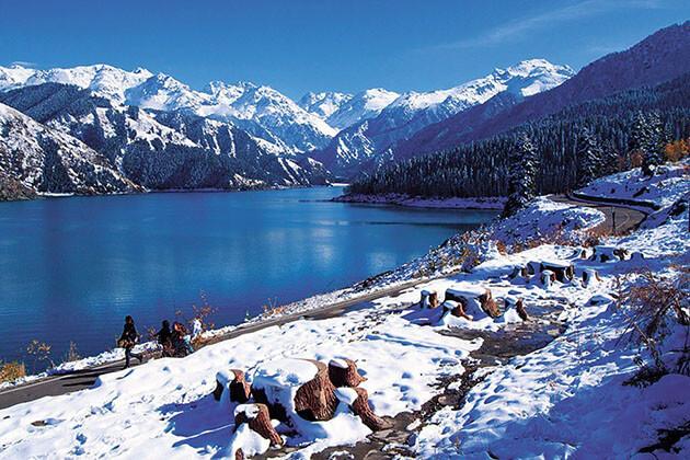 enjoy Heavenly Lake in China Silk Road Tour