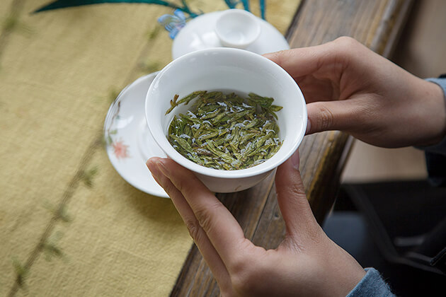 enjoy Mao Feng Tea in Huangshan