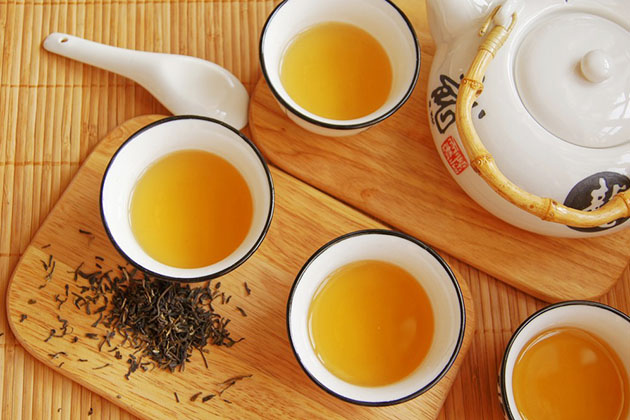 enjoy Yellow Tea in China