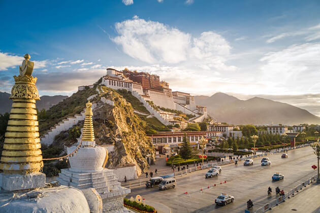 enjoy panoranic view of Lhasa City in China classic tour
