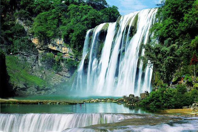 explore Anshun Huangguosu Water Fall during China tour