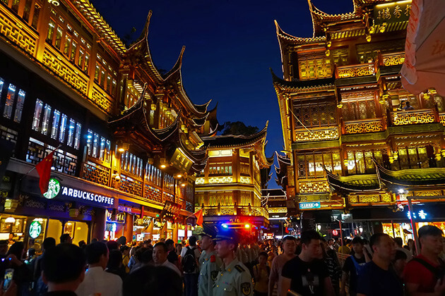 immerse in Yuyuan Market with China Local Tour