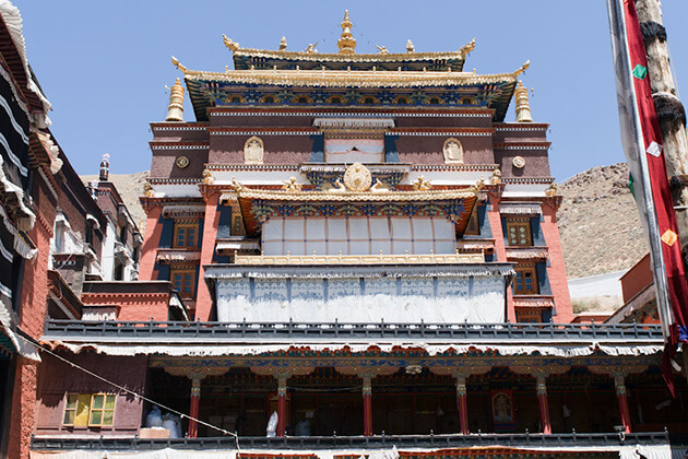traveler of China Local Tours visit Shigatse - Tashilhunpo Monastery