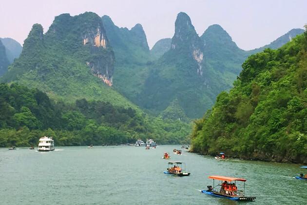 travelers of China Local Tours explore Li River Cruise