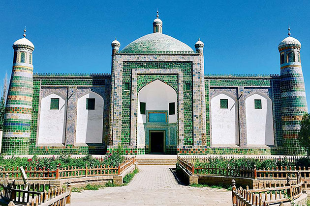 visit Abakh Khoja Tomb in China Silk Road Tours